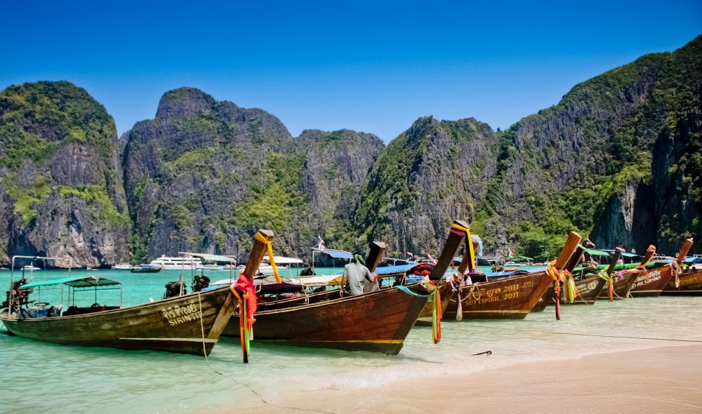 Longtail_Boat_At_Maya_Bay,_Krabi,_Thailand