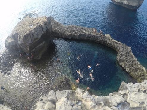 Nadando nas piscinas naturais